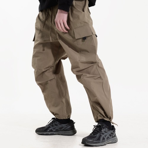 NYLON 2 TUCK POCKET PANTS (KHAKI OLIVE)
