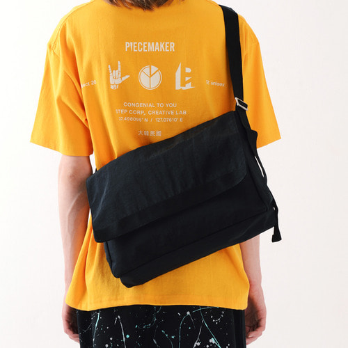 SHIRRING MESSENGER BAG (BLACK)