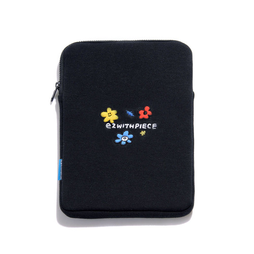 [EZwithPIECE] FRIENDS TABLET POUCH (BLACK)